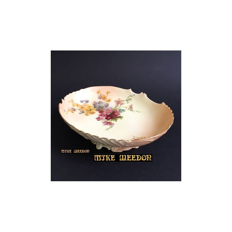 Royal Worcester Porcelain Comport Decorated with Flowers (c.1908)